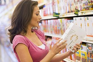woman-reading-food-label